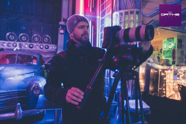 Ralf setzt in bester Kubrick-Manier den Kunden in Szene. (© Orths Medien GmbH)