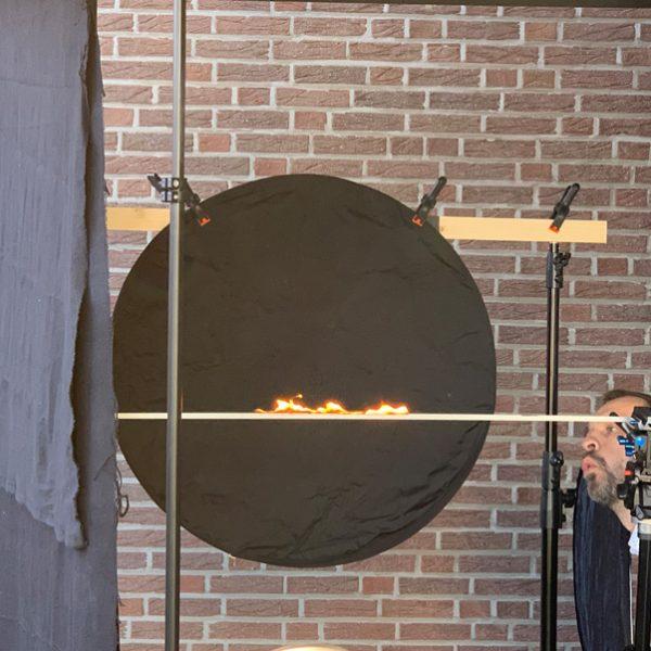 """Ralf gibt für den """"Feuereffekt"""" der Kopfzeile alles. (© Orths Medien GmbH)"""