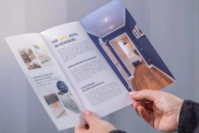 Informationen in einem Faltblatt gebündelt (© Orths Medien GmbH)